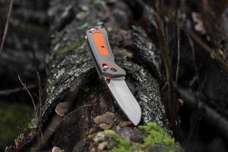Benchmade Grizzly Ridge 15061 pocket knife, plain edge satin blade