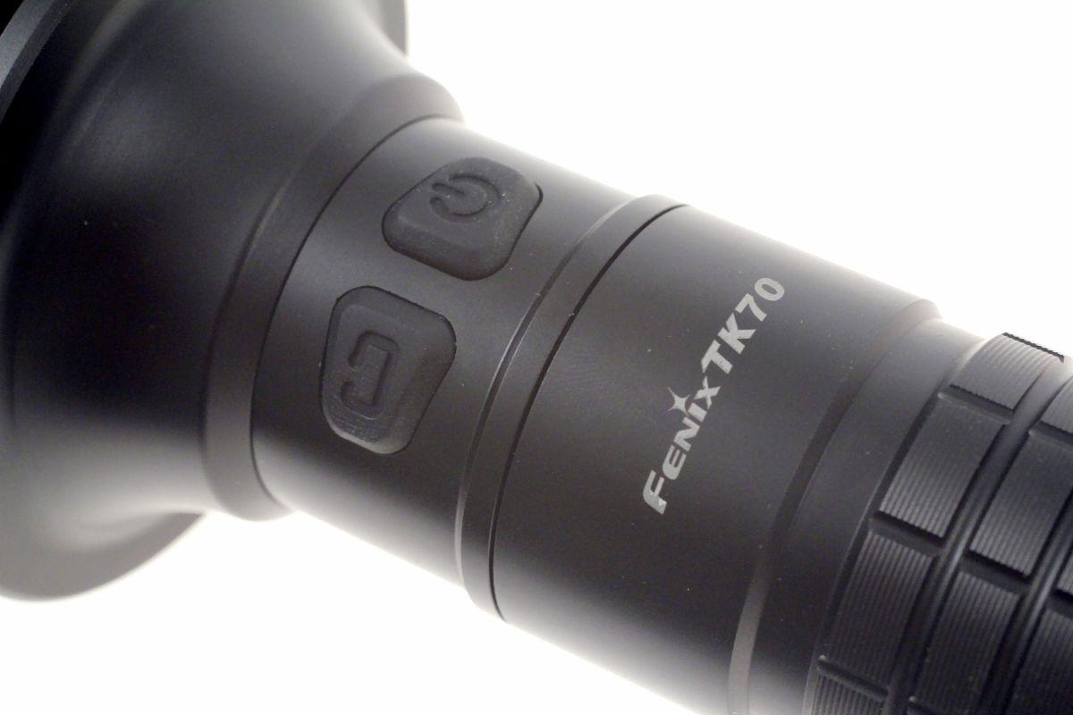 Fenix TK70 XM L Taschenlampe MIT LADEGERÄT UND AKKUS