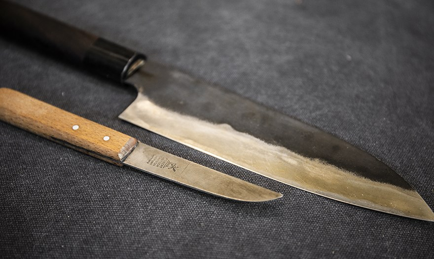 What is patina? Knivesandtools explains what it does to your ...